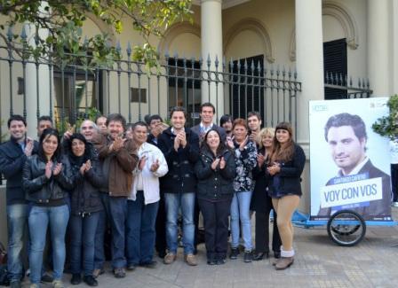 Santiago Cafiero cerró su campaña en las puertas del Concejo Deliberante de San Isidro