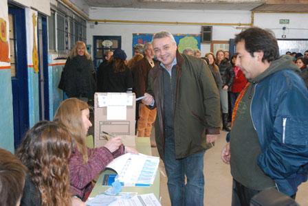 Julio Zamora votó en Benavídez