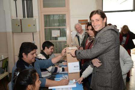 Hernán Letcher votó en Villa Ballester