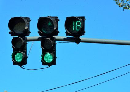 San Fernando instaló nuevos semáforos con tecnología inteligente