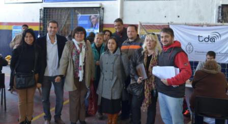 Candidatos del Frente para la Victoria de Vicente López acercan los beneficios de la Televisión Digital Abierta