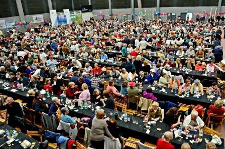 Más de 1.500 jubilados sanfernandinos festejaron su Día en el Polideportivo N° 1