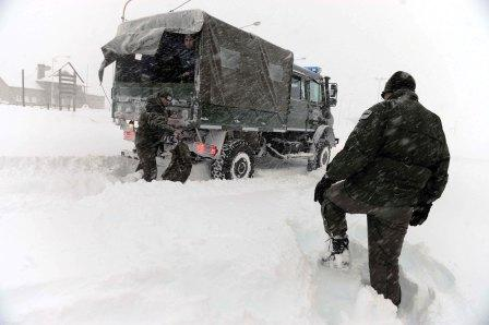 15 mil turistas varados por nieve en paso a Chile