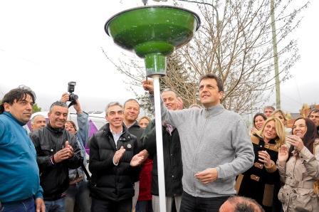 Acompañado por el Intendente local, Mario Meoni, y miembros del Frente Renovador, Sergio Massa visitó la ciudad de Junín