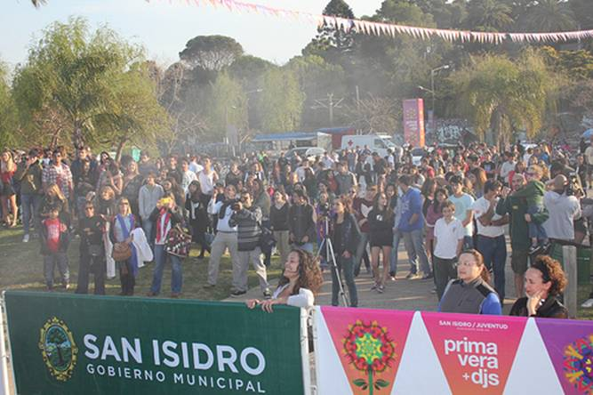 Con DJs y cumbia, San Isidro recibió la primavera