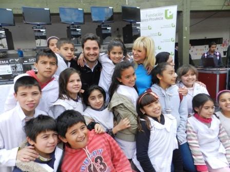 Santiago Cafiero lanzó su campaña electoral junto a Karina Rabolini