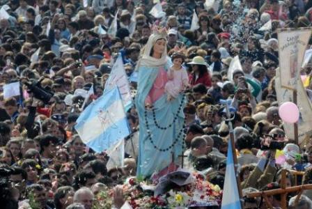 Multitudinaria celebración por la Virgen del Rosario de San Nicolás