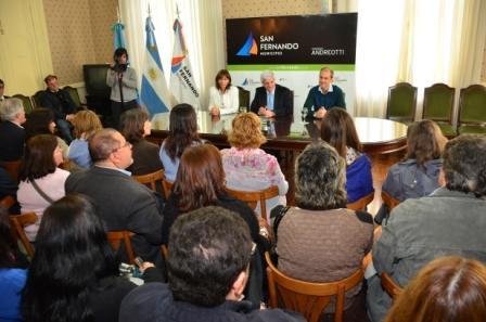 El Municipio de San Fernando hizo entrega de tres subsidios al Consejo Escolar