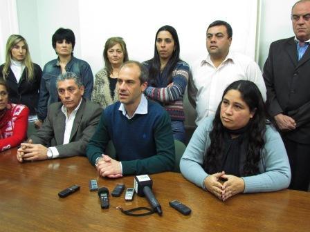 Los concejales pertenecientes al FPV, Analía Medina y Luis Chacho Giménez, anunciaron su pase al Frente Renovador