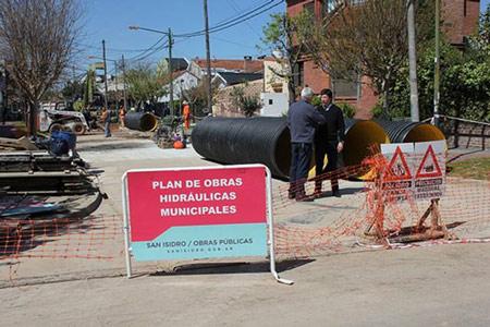 Avanza la construcción del desagüe Larumbe en Martínez