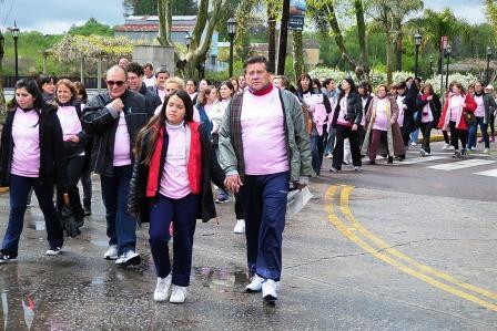 Tigre fue sede de la primera caminata internacional contra el cáncer femenino