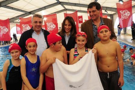 Los chicos de cuarto grado comienzan a practicar natación en las piletas de Tigre