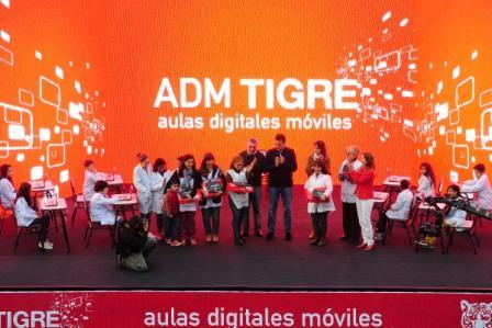 Sergio Massa sumó más Aulas Digitales Móviles en las escuelas de Tigre