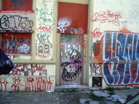 Graffitis y pintadas arte urbano o vandalismo www - Como limpiar grafitis ...