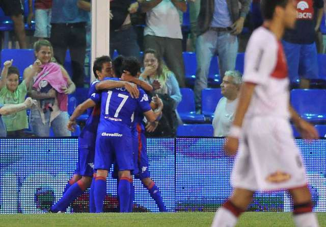 Tigre logró un importante triunfo ante Newells