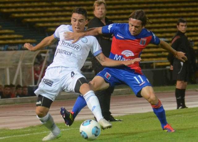 Belgrano se hizo fuerte en el Kempes y le ganó a Tigre