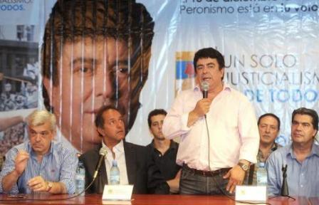 """Espinoza dijo que la decisión de Aníbal de no bajarse es """"un capricho"""""""