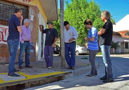Luis Andreotti supervisó las obras de ampliación de los desagües del barrio Crisol