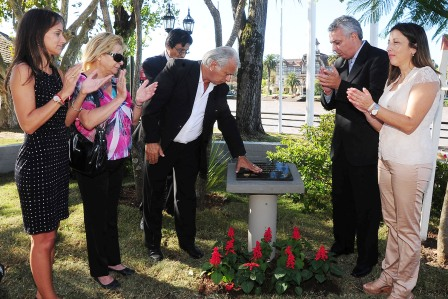 Tigre homenajeó a Carolina Aló