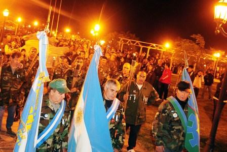 Se realizó en Tigre una emotiva vigila en honor a los  héroes de Malvinas
