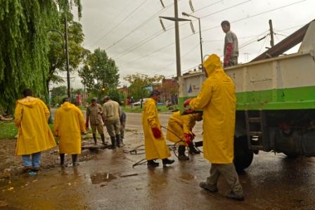 Luego de las intensas lluvias, el Municipio realizó tareas de limpieza en distintas zonas de San Fernando