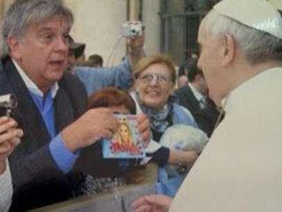 Luis Ventura visitó al Papa y le llevó un regalo desopilante