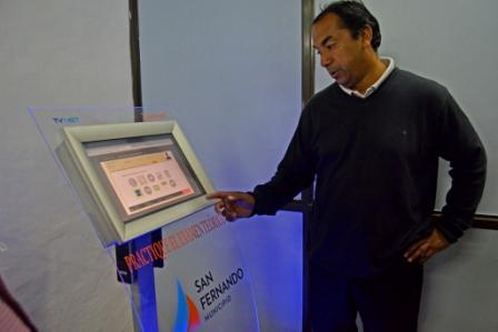 La Dirección de Tránsito de San Fernando incorporó un Simulador de Examen Teórico