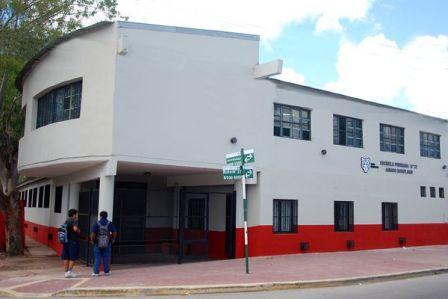 Escuela 21 de Rincon de Milberg cerrada por la rotura de cimientos por una obra de AYSA