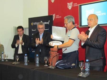 """Se presentó la Copa de Vóley """"Ciudad de Tigre"""""""