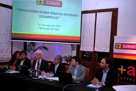 Se realizó en Tigre la apertura de charlas sobre Política Exterior del espacio Sumar