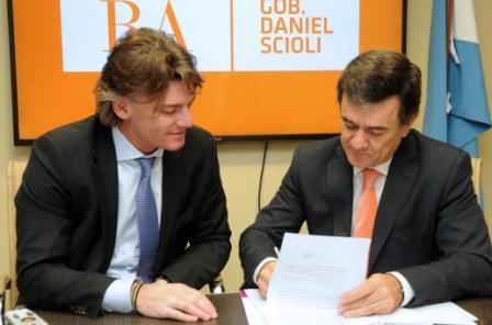 Nicolás Scioli, vicepresidente ejecutivo del Grupo Provincia, y Jorge Giacomotti, gerente general del Banco del Chubut