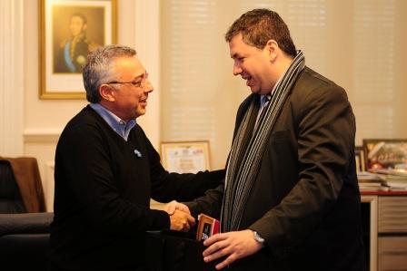 Julio Zamora se reunió con el Cónsul de Paraguay