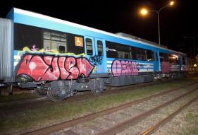 Demandan a los padres de un menor que dañó un tren nuevo
