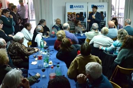 Bossio participó de un encuentro con adultos mayores en San Isidro
