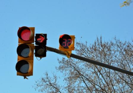 San Fernando es el primer Municipio que cuenta con semáforos LED en todo el distrito