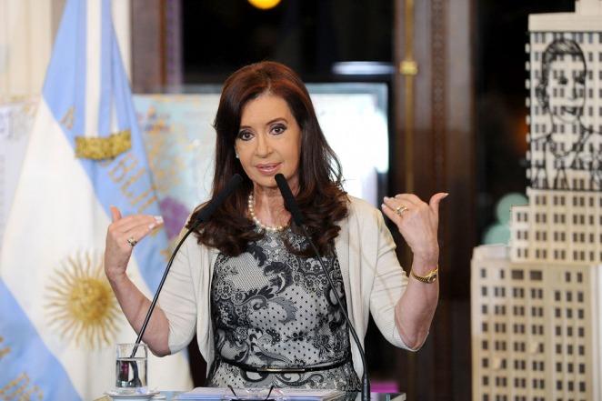 Cristina suspende sus actividades por un cuadro de faringolaringitis