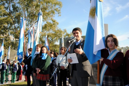 Hicieron su promesa a la bandera 1.500 alumnos de escuelas de Vicente López