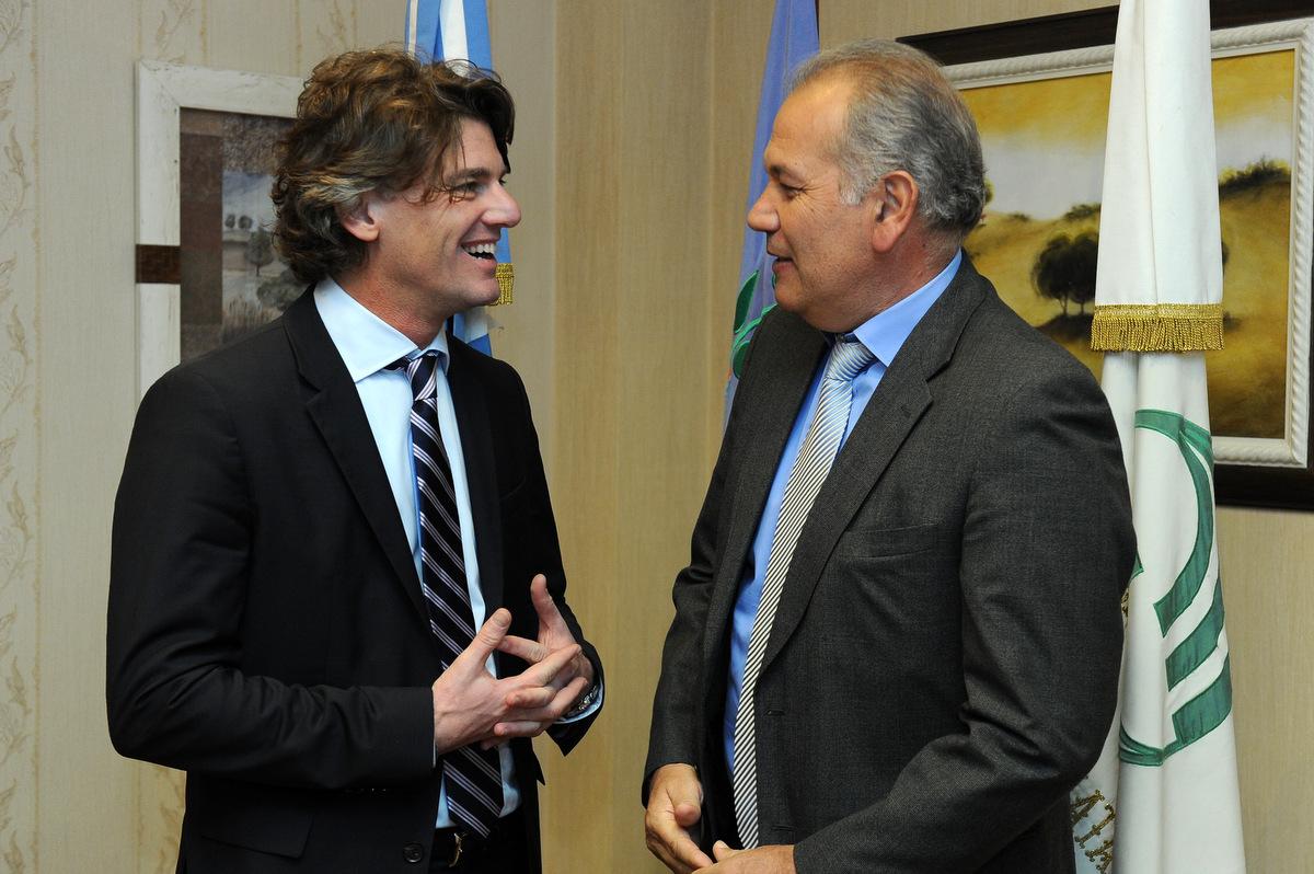 Nicolás Scioli, Presidente de la Asociación de Leasing de Argentina, y Daniel Martínez, Rector de la Universidad Nacional de La Matanza.