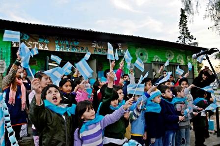 Los niños de los CEIM y las UDI de San Fernando festejaron el Día de la Bandera