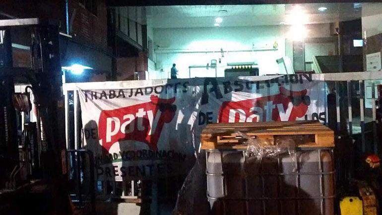 Obreros de la fábrica Paty en Martínez no pudieron evitar que se desmantelara la fábrica