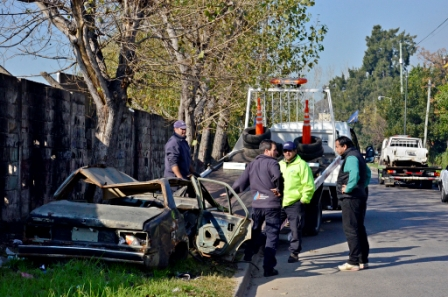 Levantan autos abandonados en San Fernando