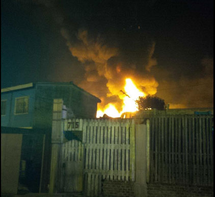 Un incendio destruyó un depósito en Tigre