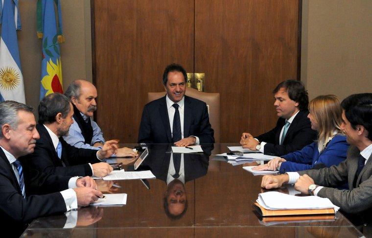 Scioli firmó el decreto que autoriza a Granados a crear policías locales