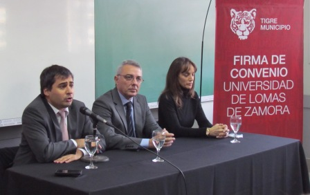 El Intendente de Tigre, Julio Zamora y el Rector de la Universidad Nacional de Lomas de Zamora, Diego Molea, firmaron un convenio para sumar nuevas carreras en el Centro Universitario Tigre.
