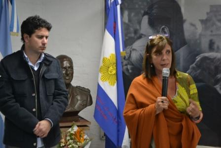 El acto fue encabezado por la Presidenta del Concejo partidario, la diputada nacional Teresa Garcia, acompañada por Francisco Cafiero (vicepresidente del PJ local).