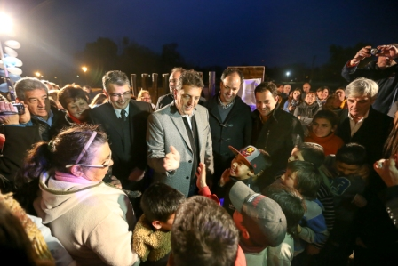 Massa asistió a la inauguración de una plaza y visitó un hospital municipal en San Andrés de Giles, junto al actual intendente Carlos Puglielli