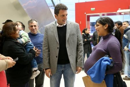 Massa recorrió las instalaciones de la maternidad de Malvinas Argentinas