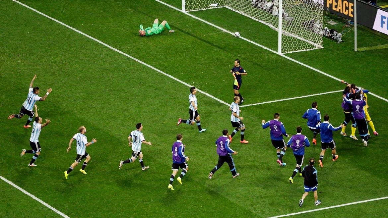 Argentina le ganó a Holanda por penales y es finalista del mundial de Brasil ()