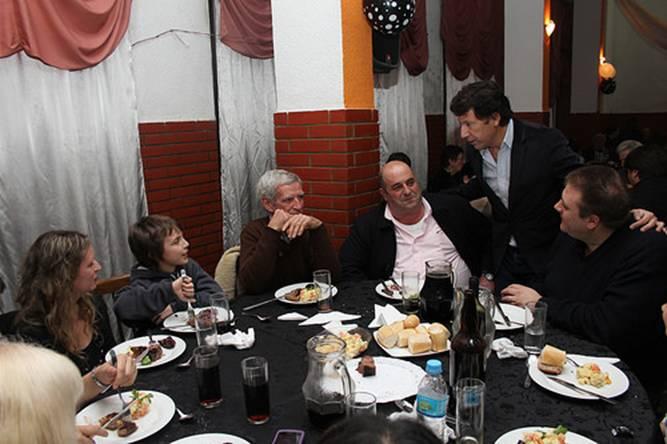 El intendente de San Isidro, Gustavo Posse, participó de la cena que la institución organizó en su sede ubicada en Juan B. Justo 253.