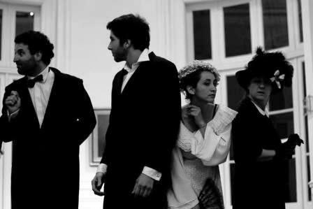 """Se estrenó la obra """"Ecos del Tigre Hotel"""", escrita por Damián Dreizik y dirigida por Vanesa Weinberg"""